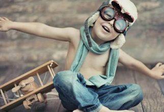 """Predavanje: """"Kako vzgojiti zdrave, srečne in odgovorne otroke""""."""